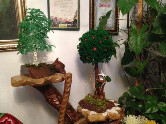 """Сувениры. Дерево """"Счастья"""" из натуральных камней и биссера"""