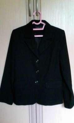 Продается школьный костюм