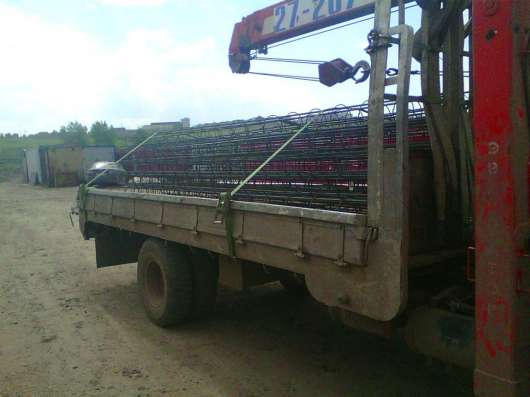 Водитель сличным грузовым борт+кран с кму